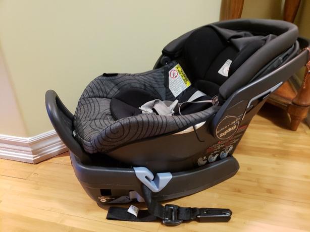 Like New Peg Perego infant car seat