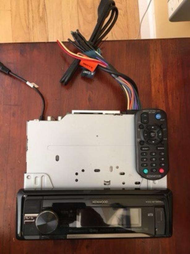 Kenwood KCD-BT855U car stereo