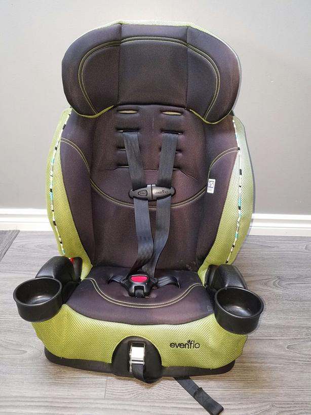 Evenflo Chase LX Forward Facing To Booster Seat