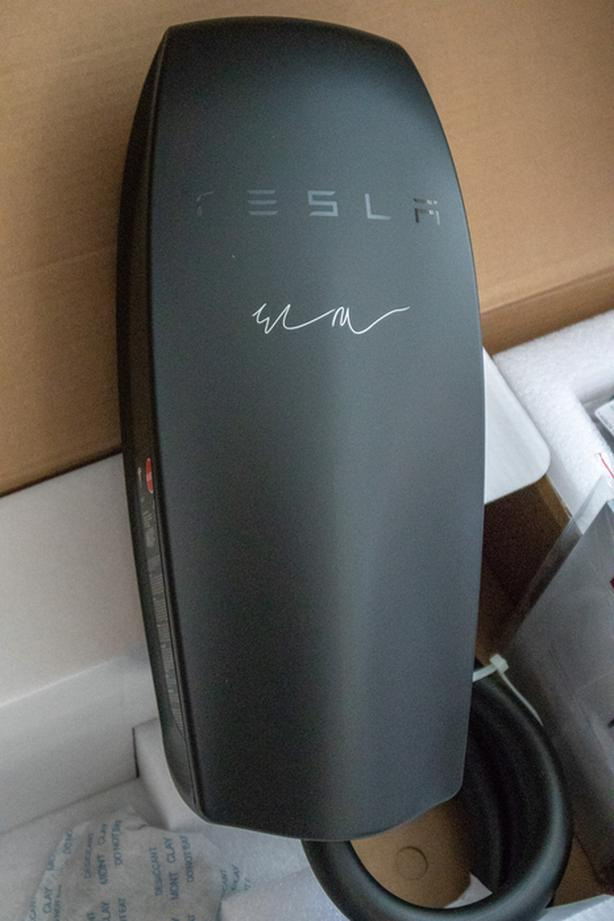  Log In needed $575 · Tesla Model S/X/3 Signature Black Wall Connector  (HPWC) charger 24' cable