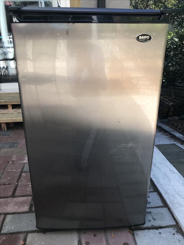 Sanyo 32 Cu Ft Fridge Freezer
