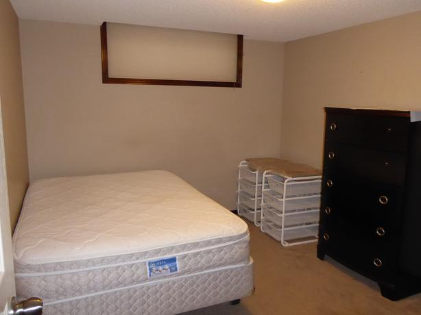 ACCOMMODATION FURNISHED BASEMENT BEDROOM FOR RENT