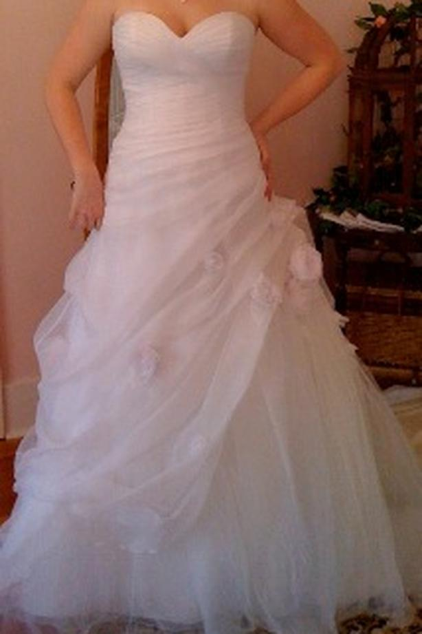 $550 · WEDDING DRESS (NEW) FUNDS TO GO TO CHARITY