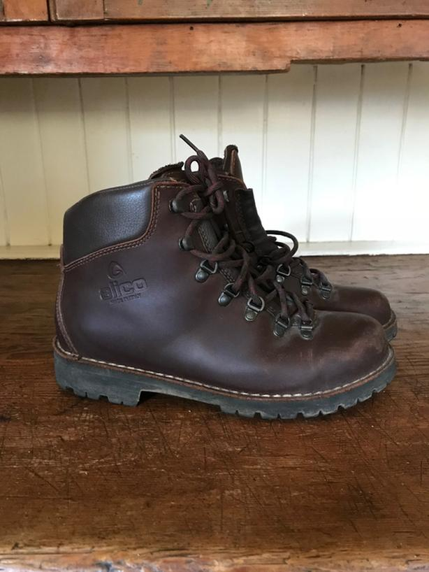 241ccbccadb  Log In needed $75 · Men's Alico Leather Hiking Boots Size 9 1/2