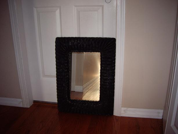 MIRROR BLACK WICKER