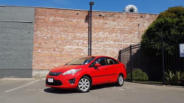 ** 2012 Ford Fiesta - AUTO - Low Bi-Weekly Payment $98 o.a.c