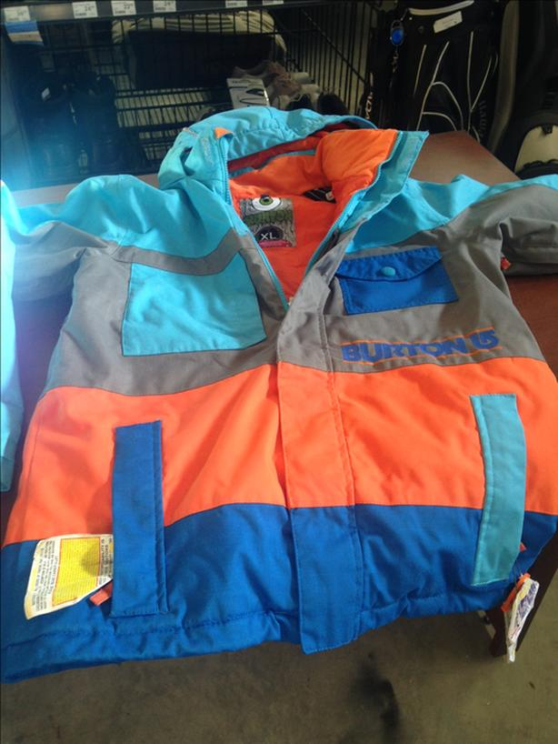 95b529182 BURTON SNOWBOARD JACKET BOYS XL Malahat (including Shawnigan Lake ...