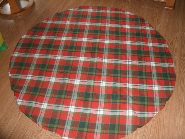 round xmas table cloth