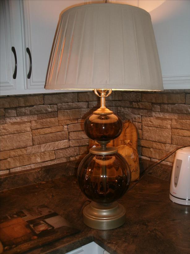 beautiful glass table lamp