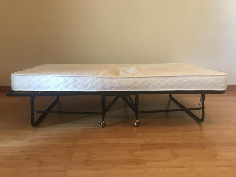 Rollaway twin size beds/mattresses West Shore: Langford ...