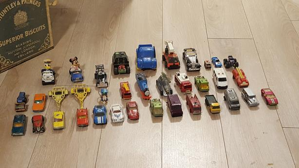 Hotwheels / matchbox toy cars