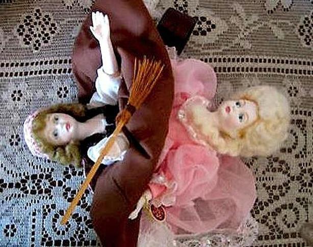 1986 Ltd-Edition Nisbet/Doulton 'Cinderella' Transformation Doll - 2 dolls in 1
