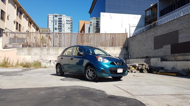 ** 2015 Nissan Micra ** EXCELLENT FUEL MILEAGE ** FINANCING AVAIL. o.a.c