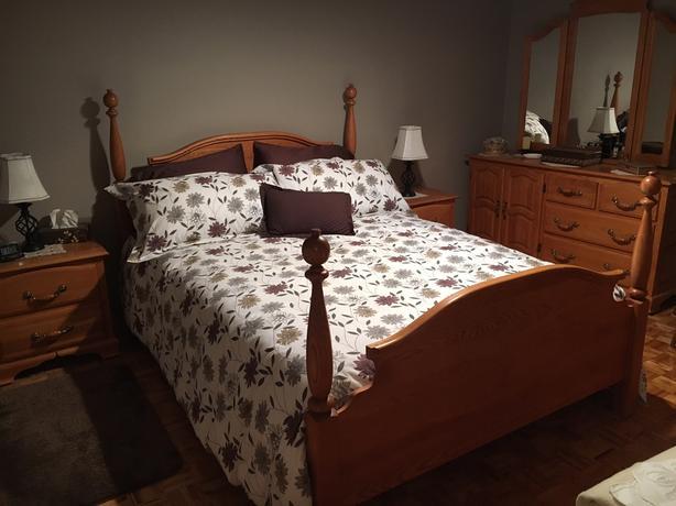Solid Oak, QS bedroom set