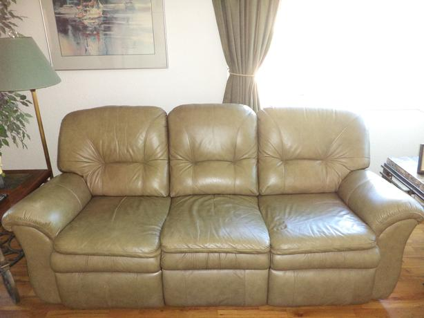 Soft, Very Comfortable Top Of The Line Leather Recliner Sofa .