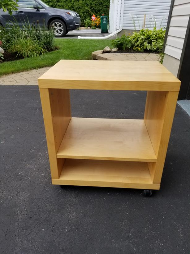 CUBE END TABLE ON CASTERS