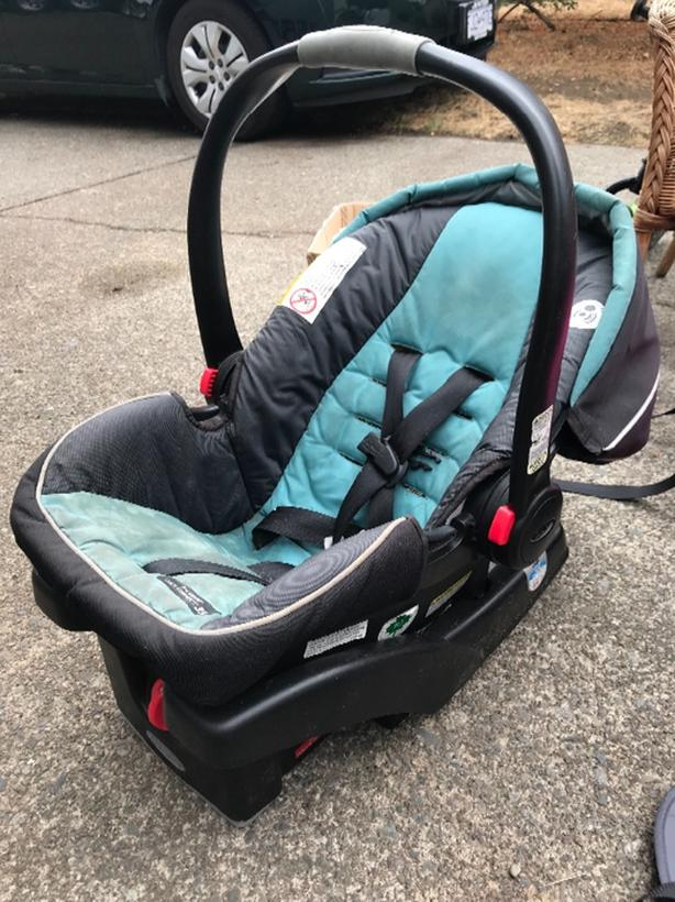 Snugride Click Connect 35 Car Seat With 2 Bases