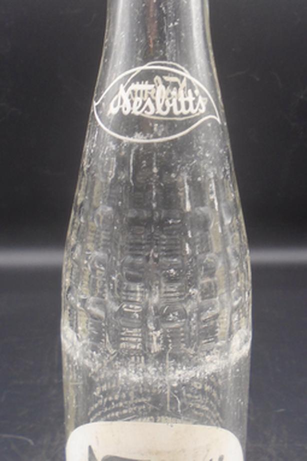 SCARCE 1970's VINTAGE NESBITT'S (10 OZ.) ACL SODA POP BOTTLE