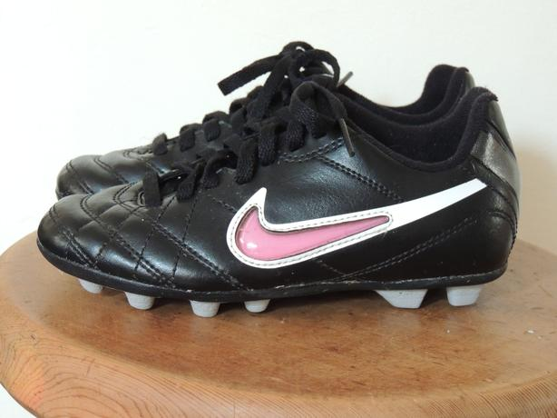 f82aa76f45a7a Nike size 11 T girls soccer cleats, excellent, as new. Victoria City ...