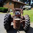 Tractor Ford 9N Front Loader - Oldie but Goodie