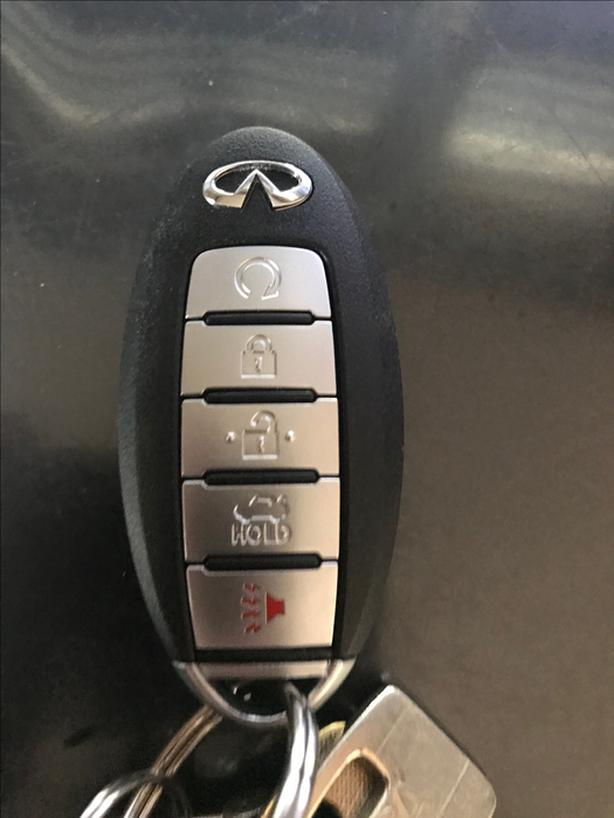 Lost keys with infiniti fob reward ! (hillside mall area)