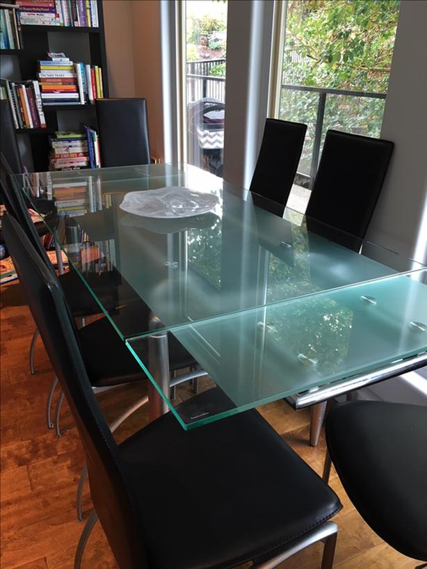 Elegant Glass Dining Room Table And Chairs