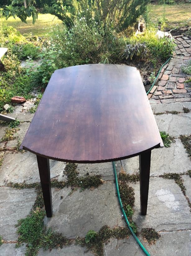Small Circular Dining Room Table With Folding Leaves
