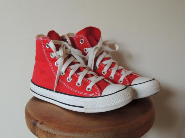 Converse high tops size 3 Y e886c803c
