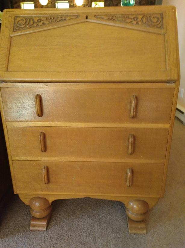 ANTIQUE HONEY OAK DROP-DOWN SECRETARY DESK - ANTIQUE HONEY OAK DROP-DOWN SECRETARY DESK North Saanich & Sidney