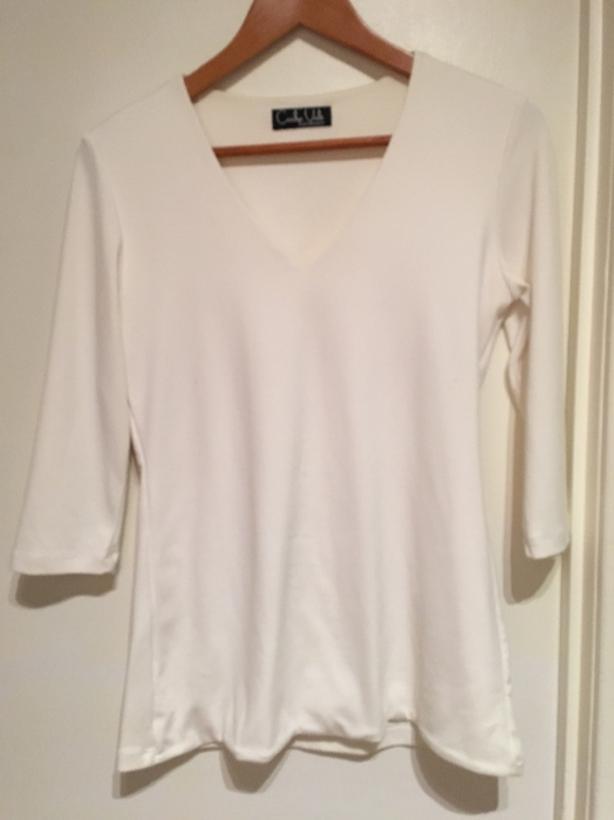 white tunic/t-shirt