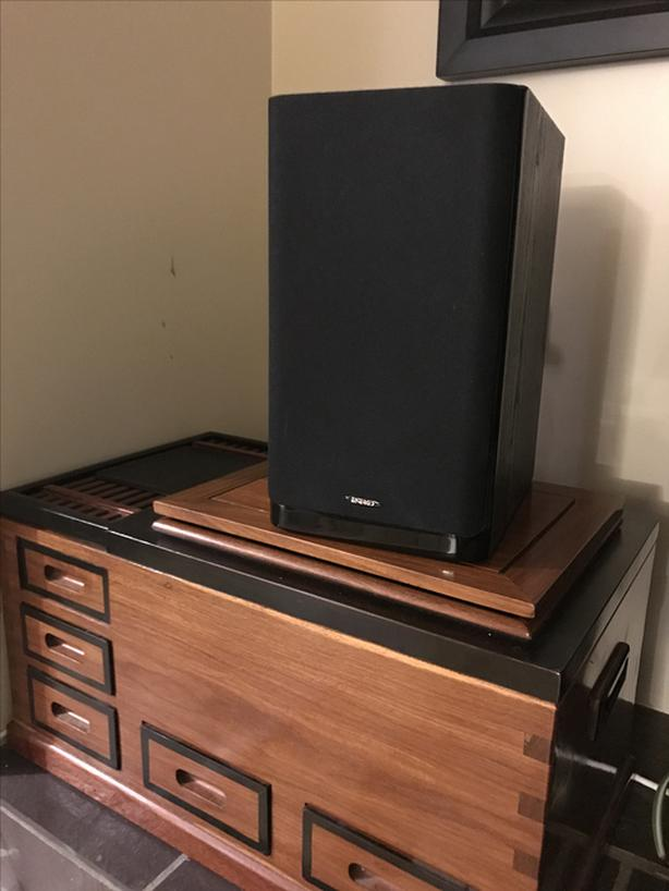 Energy C100 Series Bi Ampable Option Bookshelf Speakers PAIR