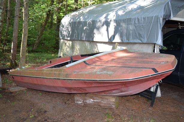 14 Foot Fiberglass Boat