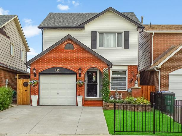 FULLY UPGRADED DETACHED HOUSE FOR SALE -- GREAT PRICE!