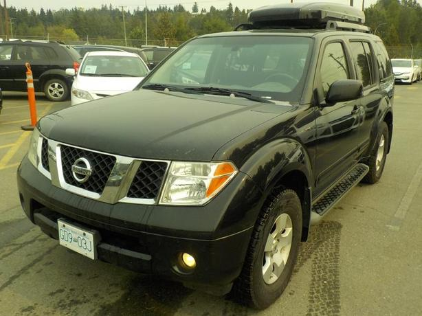 2007 Nissan Pathfinder SE 4WD With 3rd Row Seating