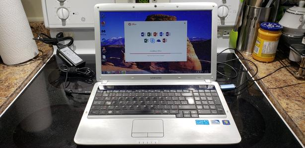 Samsung R530 Laptop (Office 2016 Professional, 320GB HDD)