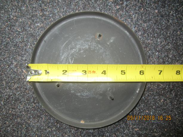 "Holder for 6"" wide candle"