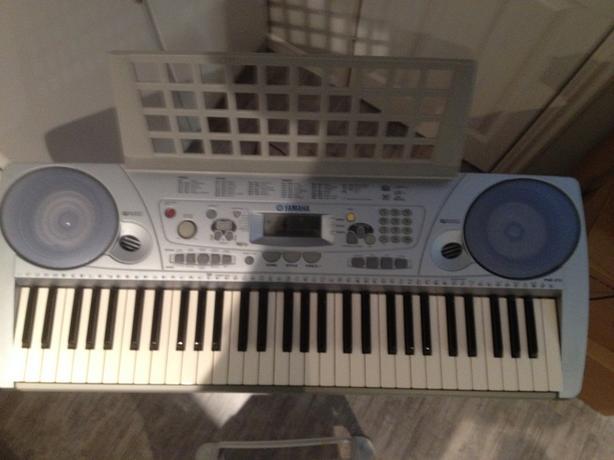 Yahama PSR-273 Keyboard
