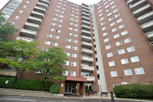 This lovely two bedroom south/west facing Condo!