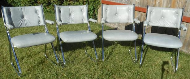 SET OF 4 PADDED CHROME CHAIRS