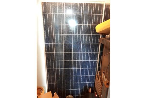2 Solar Panels 300 Watt a piece