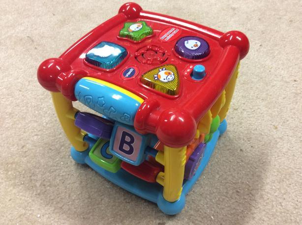 Vtech Childs activity cube