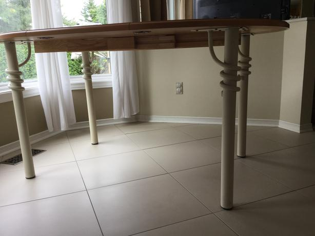 Round kitchen table with chairs