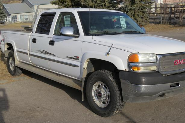 2002 GMC Sierra 2500HD SLE Crew, Long Bed 4x4, Diesel