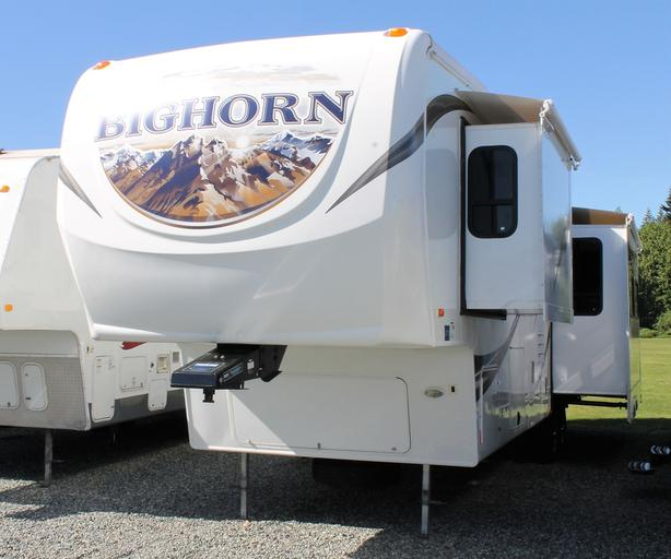 2012 Heartland Bighorn Silverado 33RL 5th Wheel