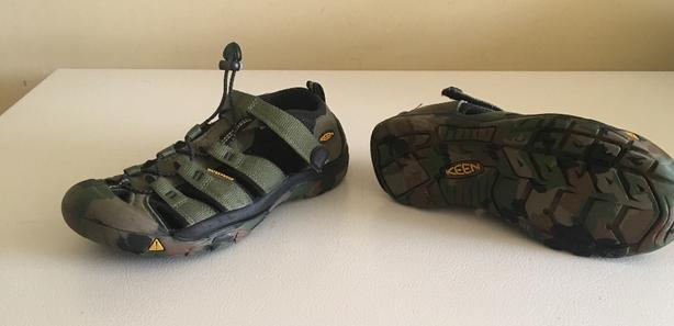 Keen H2O Watetproof  Camo Sandals  Size EUR 37