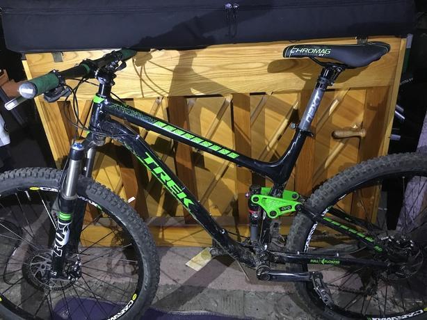 2014 Trek Fuel  ex7 29er with raceface bars, stem seatpost
