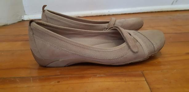 Naturalizer shoes - size 9