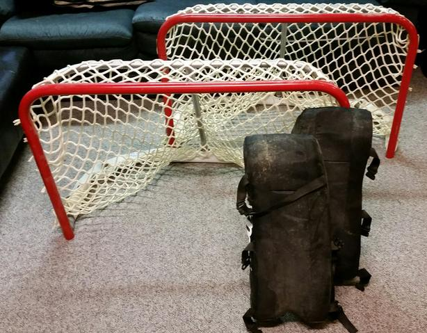 CHILDRENS HOCKEY NETS AND GOALIE GEAR