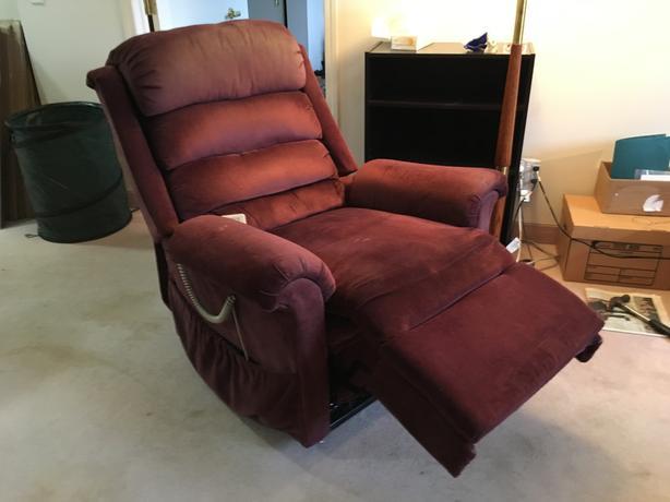 Power lift chair / Recliner