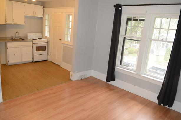  Log In needed $700 · Cathedral bachelor apartment with balcony 700$